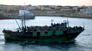 Italien stellt erste Aufenthaltserlaubnisse aus