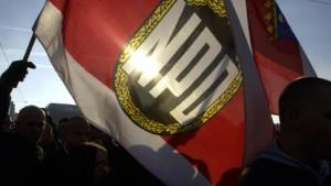 Regierung stellt keinen Antrag auf NPD-Verbot