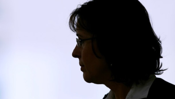 Andrea Ypsilanti tritt zurück