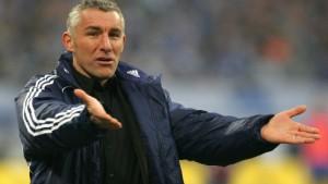 Trainer Slomka gesperrt