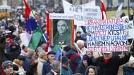 Ungarn fordern Rücktritt von Ministerpräsident Orbán