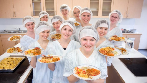 Diätschule - die Teilnehmer des Ausbildungslehrgangs zur Diätassistentin im Universitätsklinikum Giessen. Die Diätschule feiert in diesem Jahr ihren 50. Geburtstag.