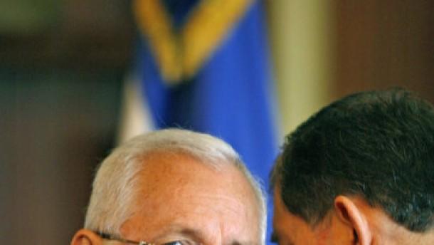 Übergangspräsident Micheletti bietet Rücktritt an