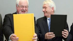 CDU und FDP unterzeichnen Koalitionsvertrag