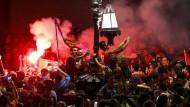 Fans feiern in vielen Ländern schon ihre Fußball-Meister
