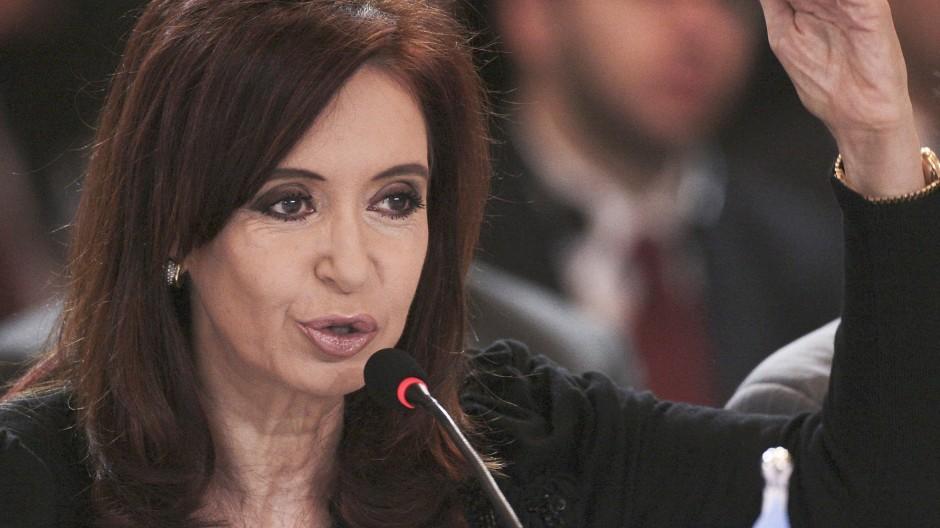 Cristina Fernández de Kirchner, wie immer in Schwarz
