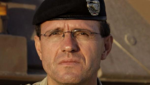 Oberst Georg Klein wird Brigadegeneral