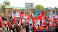 Gewerkschaften demonstrieren am Tag der Arbeit