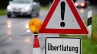 Westen Deutschlands nach Regen teils unter Wasser