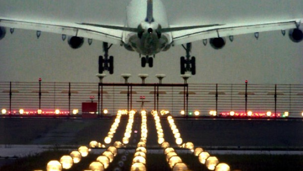 Kartellamt droht Air Berlin mit Abmahnung