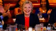 Clinton greift Trump bei Außenpolitik an