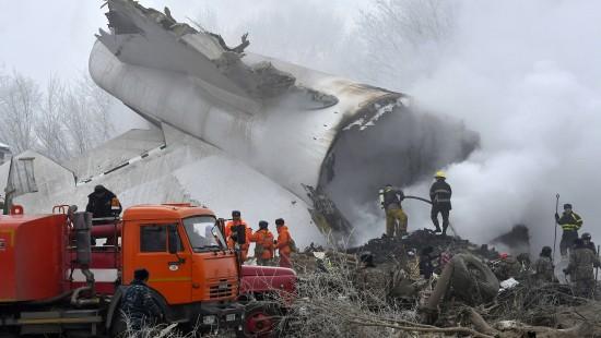Dutzende Tote bei Flugzeugunglück in Kirgistan