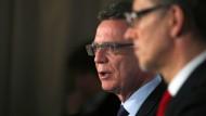 Bundesinnenminister spricht von wirklich ernster Bedrohungslage