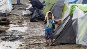 Flüchtlinge berichten von dramatischen Szenen