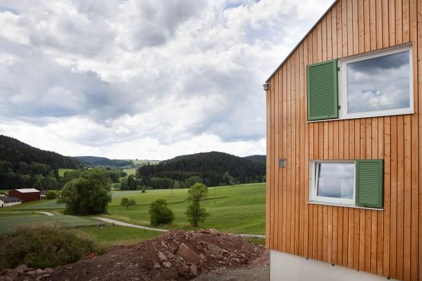 bilderstrecke zu neue h user 2 schwarzwaldhaus mit hartem kern bild 1 von 6 faz. Black Bedroom Furniture Sets. Home Design Ideas