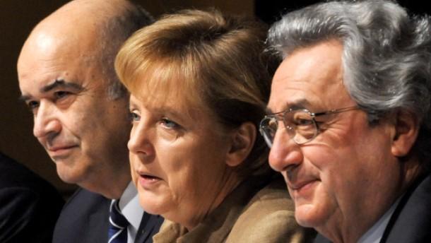 Merkel und Seehofer streiten über Mehrwertsteuer