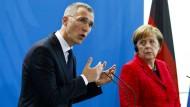 Merkel verspricht mehr Engagement in der Nato