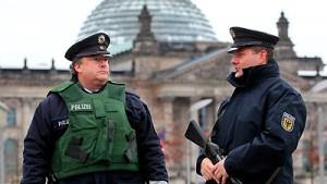 Österreich ermittelt gegen mutmaßliche Terroristen
