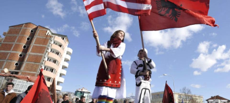 Kosovo Erklärt Sich Unabhängig Den Willen Des Volkes Vollzogen