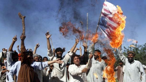 Wütende Proteste gegen Nato-Einsatz