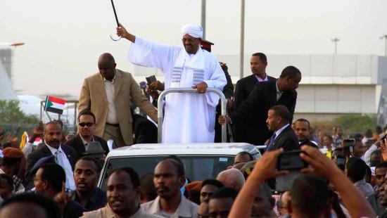 Präsident Baschir wieder in Khartum