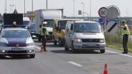 Österreich verschärft Grenzkontrollen