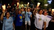 Zehntausende in Orlando gedenken der Anschlagsopfer