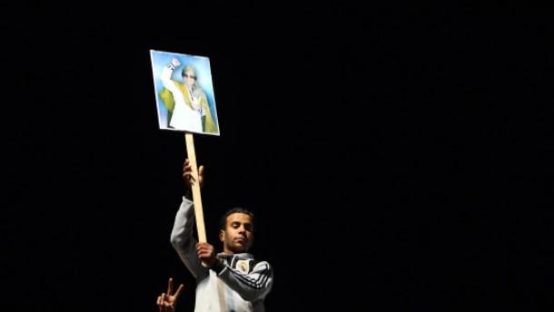Gaddafi sucht nach einem diplomatischen Ausweg