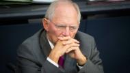 Schäuble will für Flüchtlings-Hilfe keine neuen Schulden machen