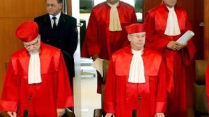 Karlsruhe weist Klage gegen rot-grünen Haushalt 2004 ab