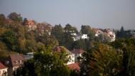 HHL heißt es in den Immobilienanzeigen der Stuttgarter Zeitungen: Halbhöhenlage. Gute Luft, teure Grundstückspreise