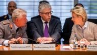Verteidigungsausschuss fordert Aufklärung von Ministerin