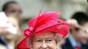 Die Queen zeigt sich dem Volk