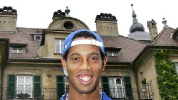 Schwarze Bohnen und Play Station: Ronaldinho zufrieden