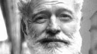 Brüstete sich stets mit seinem Mut und seiner Männlichkeit: Ernest Hemingway (1899 bis 1961)