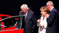 Merkel freut sich über Einparkhilfen