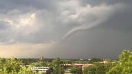 Tornado wütet über Hamburg