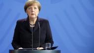 Merkel tief erschüttert über Germanwings-Absturz