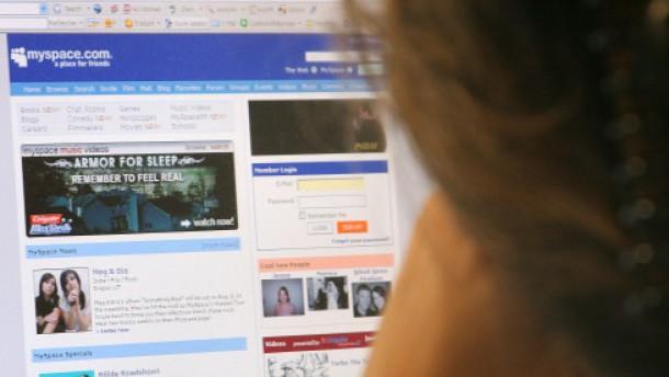 Werbung im Web 2.0 hinkt Nutzeransturm hinterher