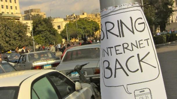 Abschalten der Netze hält Proteste nicht auf