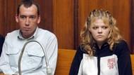 Die beiden Hauptangeklagten nach der Urteilsverkündung