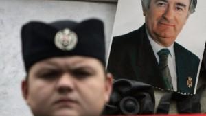 Suche nach Karadzics Helfern