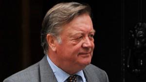 Clarke verspricht Änderungen im Strafvollzug