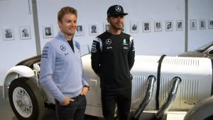 Mercedes stellt neue Boliden vor