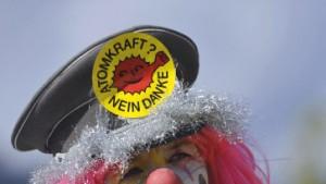 Atomkraft-Gegner demonstrieren in Berlin