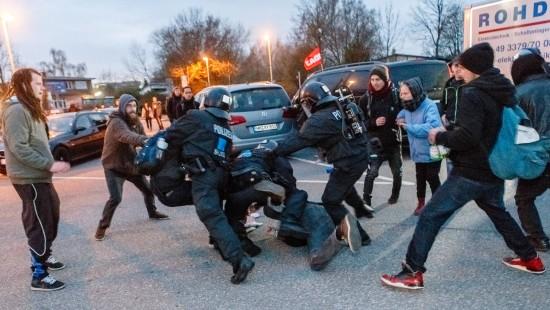 Mehrere Festnahmen bei Protesten gegen G7
