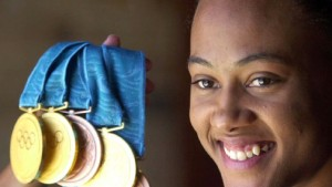 Marion Jones gibt fünf Olympia-Medaillen zurück