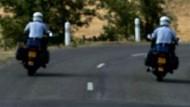 Weg frei für den Seriensieger: Armstrong - von der Polizei eskortiert