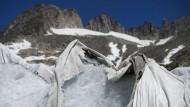 Decken sollen Gletscher vor der Schmelze schützen