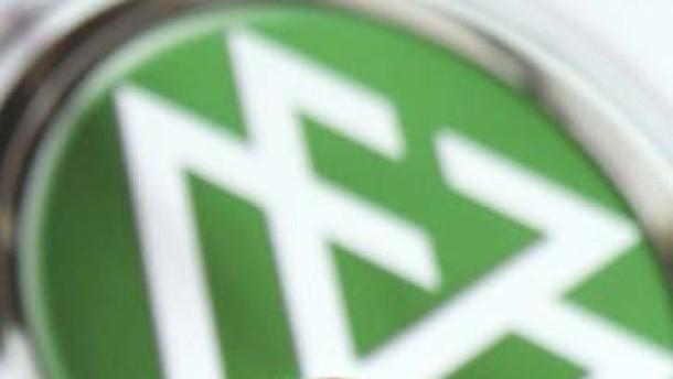 Zwanziger DFB-Präsident ohne Gegenstimme
